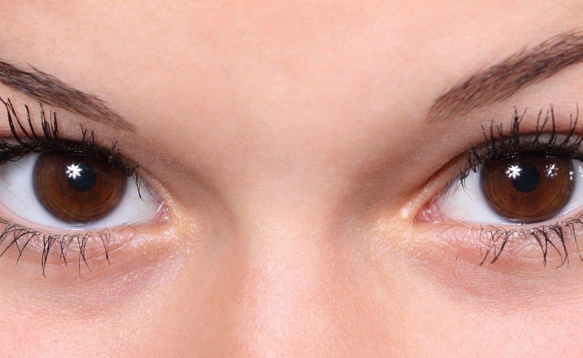 Yeux en amande : pouvons-nous agrandir nos yeux grâce à la chirurgie ?